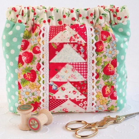 Red Thread Studio Pretty Patchwork Squeeze Pouch by Zakka Workshop