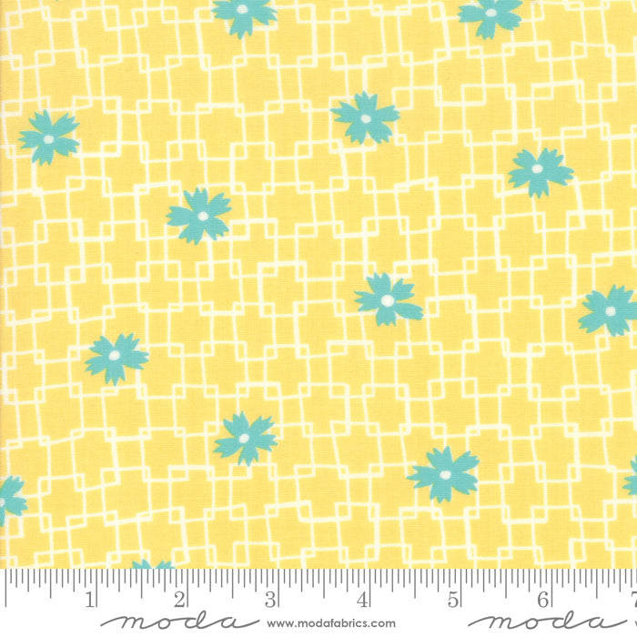 Fine and Sunny by Jen Kingwell for Moda Fabrics - Trellis Mango Cream 18172 24