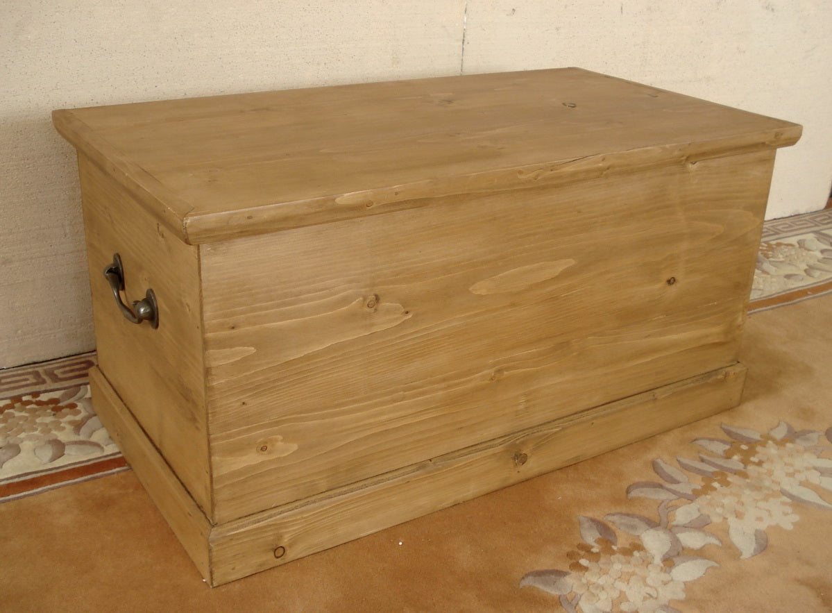 Honey pine blanket chests - We make to measure.