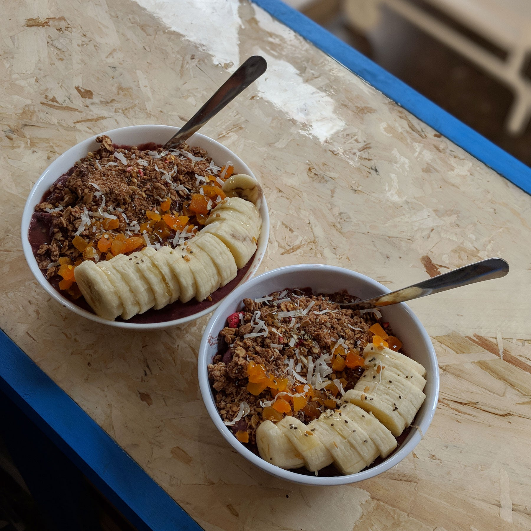Açaí Bowls Surf the Greats