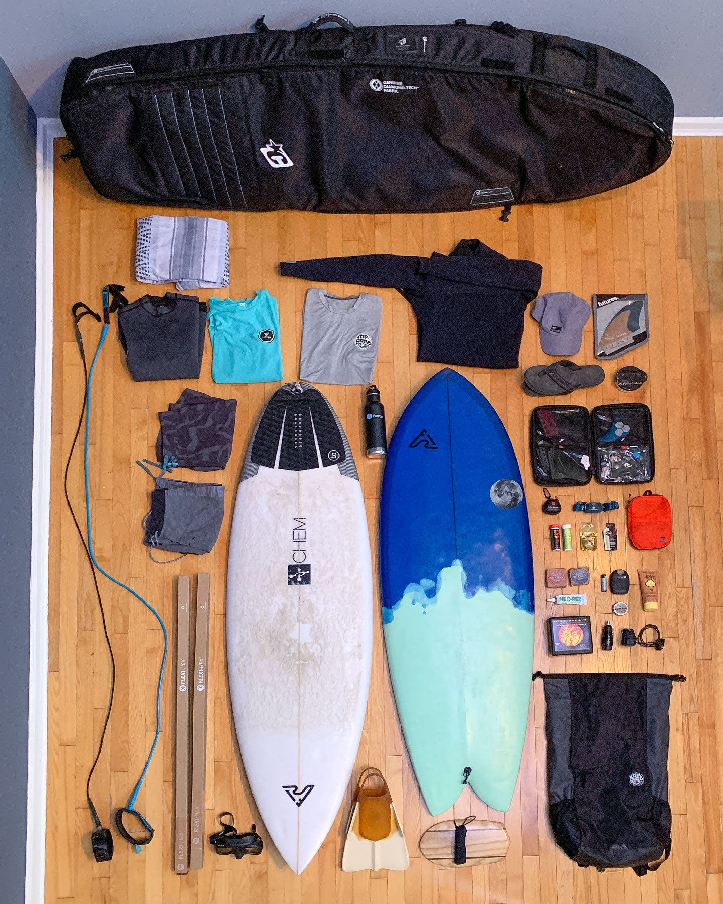 How to pack your surfboard bag for a surf trip