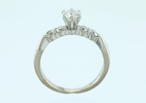 .76ct Diamond 18kt White Gold Diamond Ring