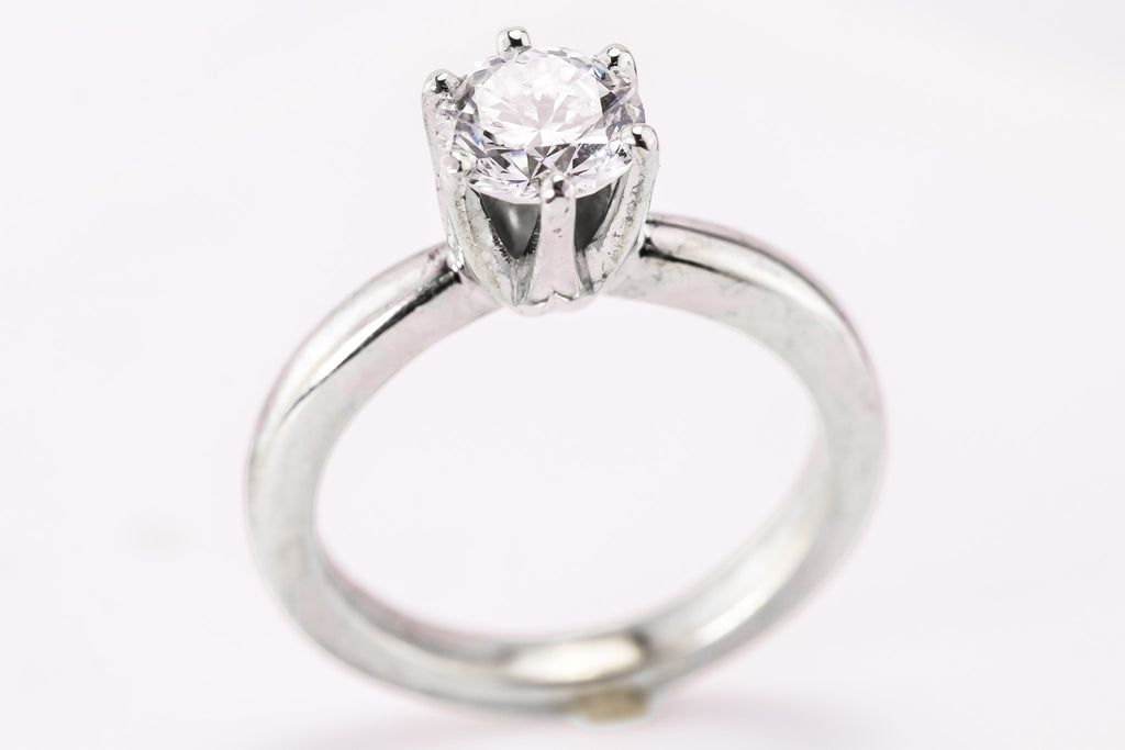 .98 Carat GVS1 White Gold Solitaire