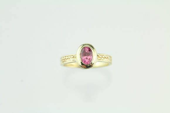 1.01ct Pink Spinel 14kt Yellow Gold Ring