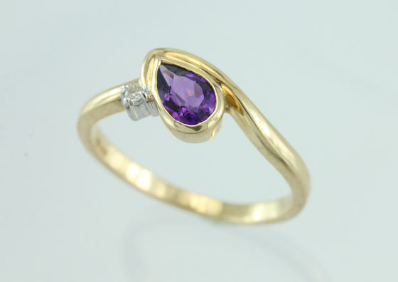 Amethyst And Diamond 14Kt Yellow Gold Ring