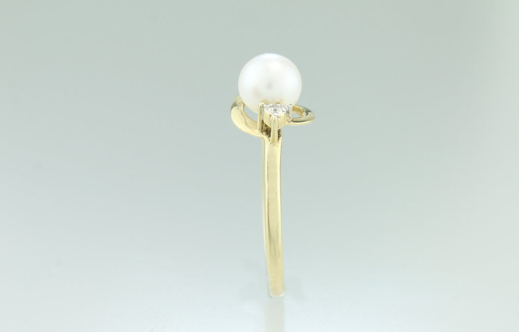 Akoya Pearl and Diamond 10kt Gold Ring