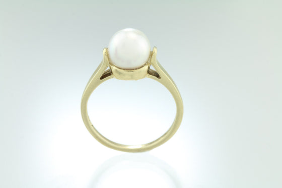 Akoya Saltwater Pearl 14kt Gold Ring
