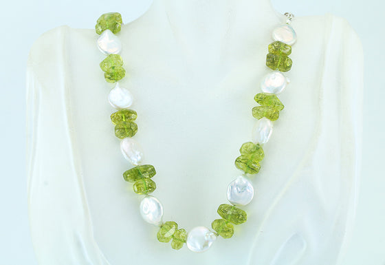 "Peridot ""Pebble"" and Freshwater Coin Necklace 21.5"""