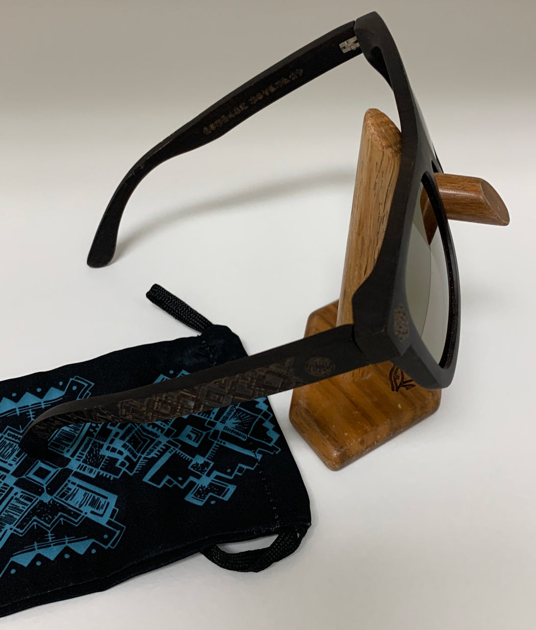 Sunglasses by Nomadic Movement - Ebony