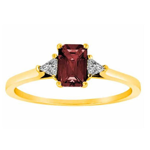 18k Yellow Gold 3/5 Ct Ruby & 1/6 Ct Triangle Trillion Diamond Ring