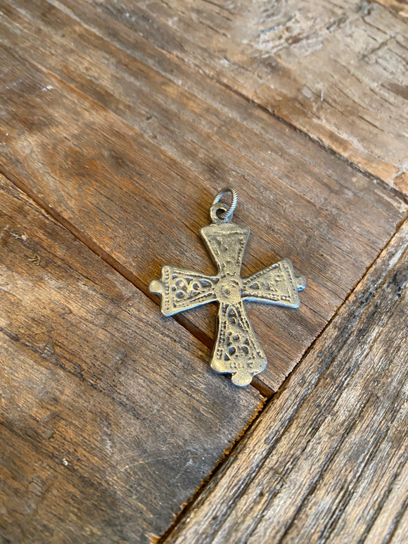 Paula Carvalho Single Charm - Large Textured  Cross
