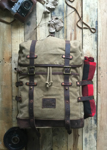 BLAKE  -  ADVENTURE WAXED CANVAS BACKPACK