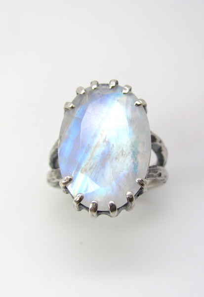 Rainbow Moonstone with Doulbe Hammered Band