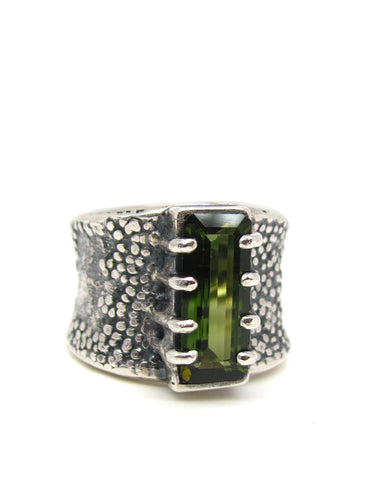 Green Lizard Ring