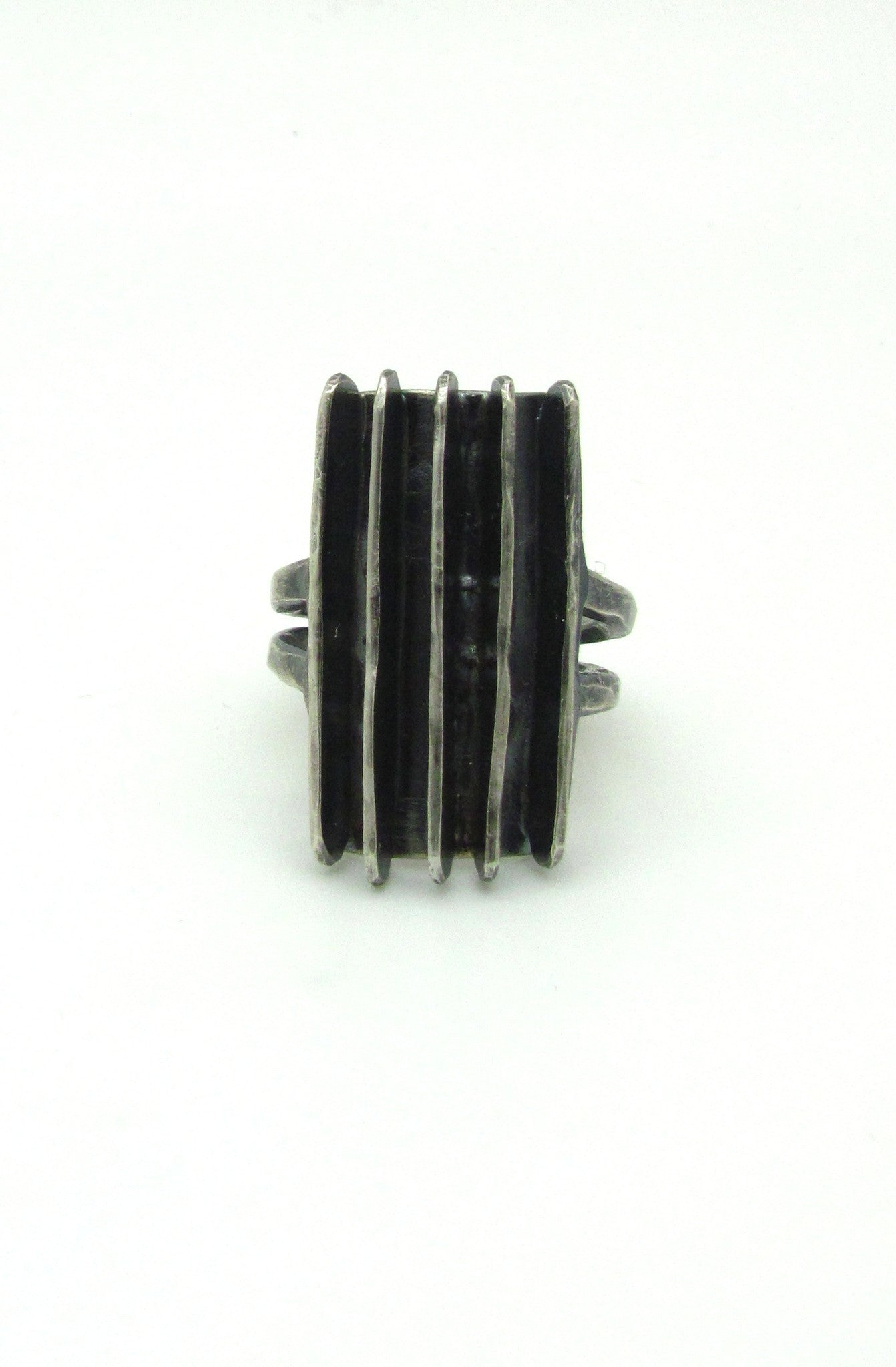 Hammered Lines Shield Ring II