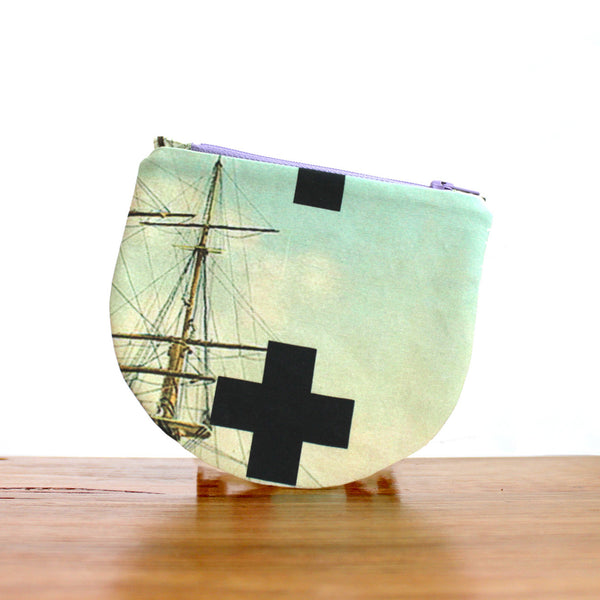 Half Moon Purse : Ship
