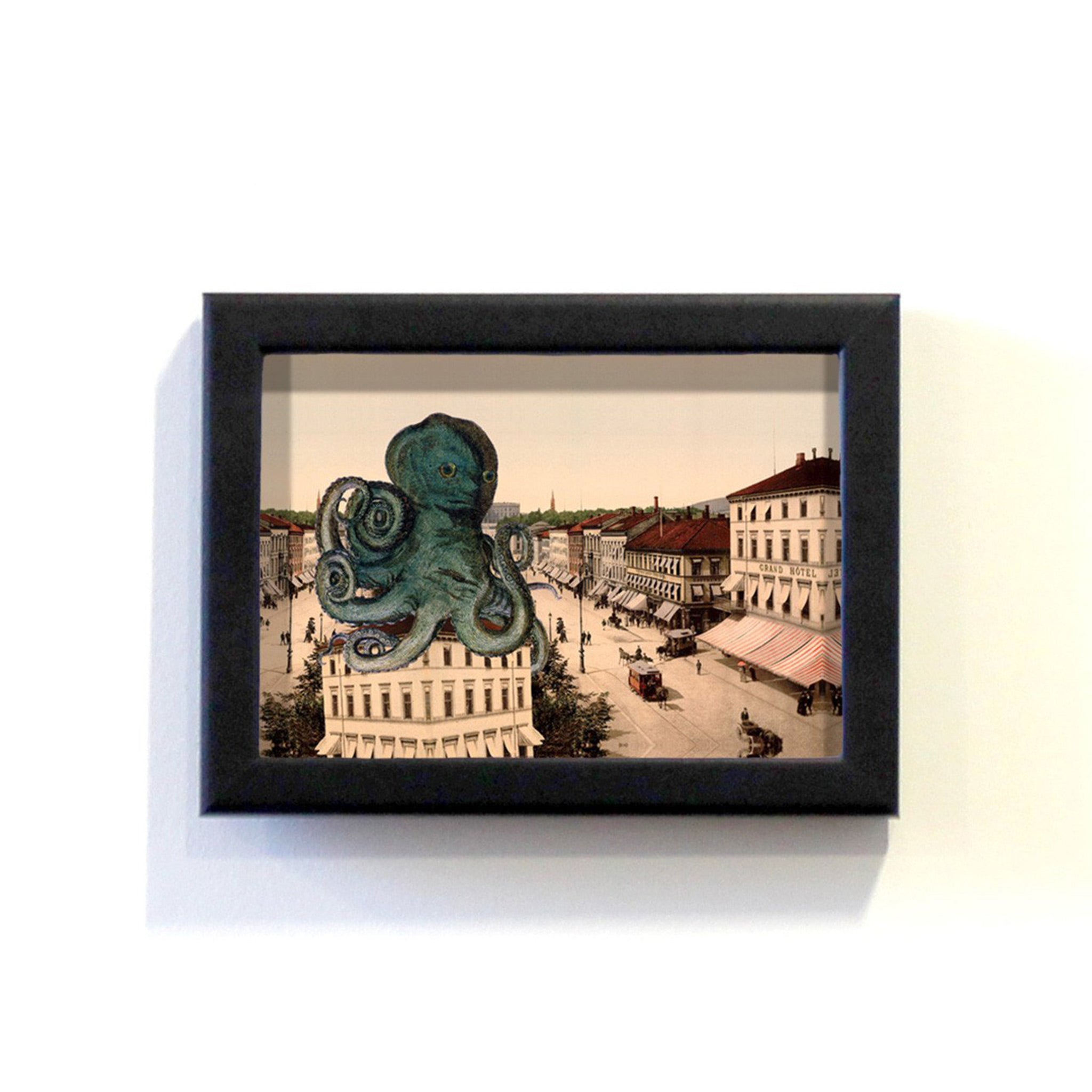 Monster : Octopus Framed Print