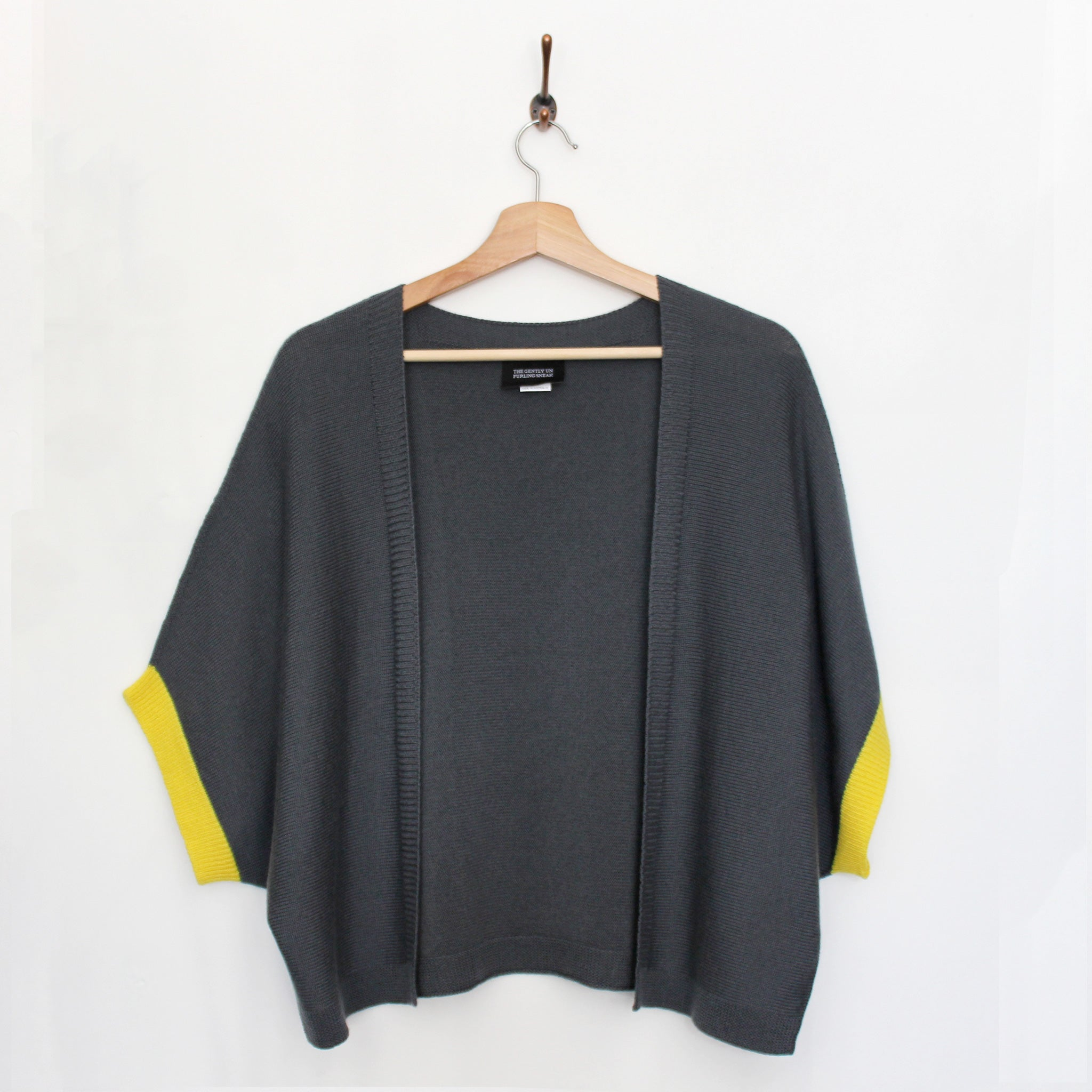 Shrug : Charcoal Yellow