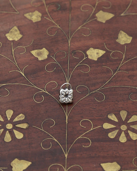 Square Flower Silver Nose Pin
