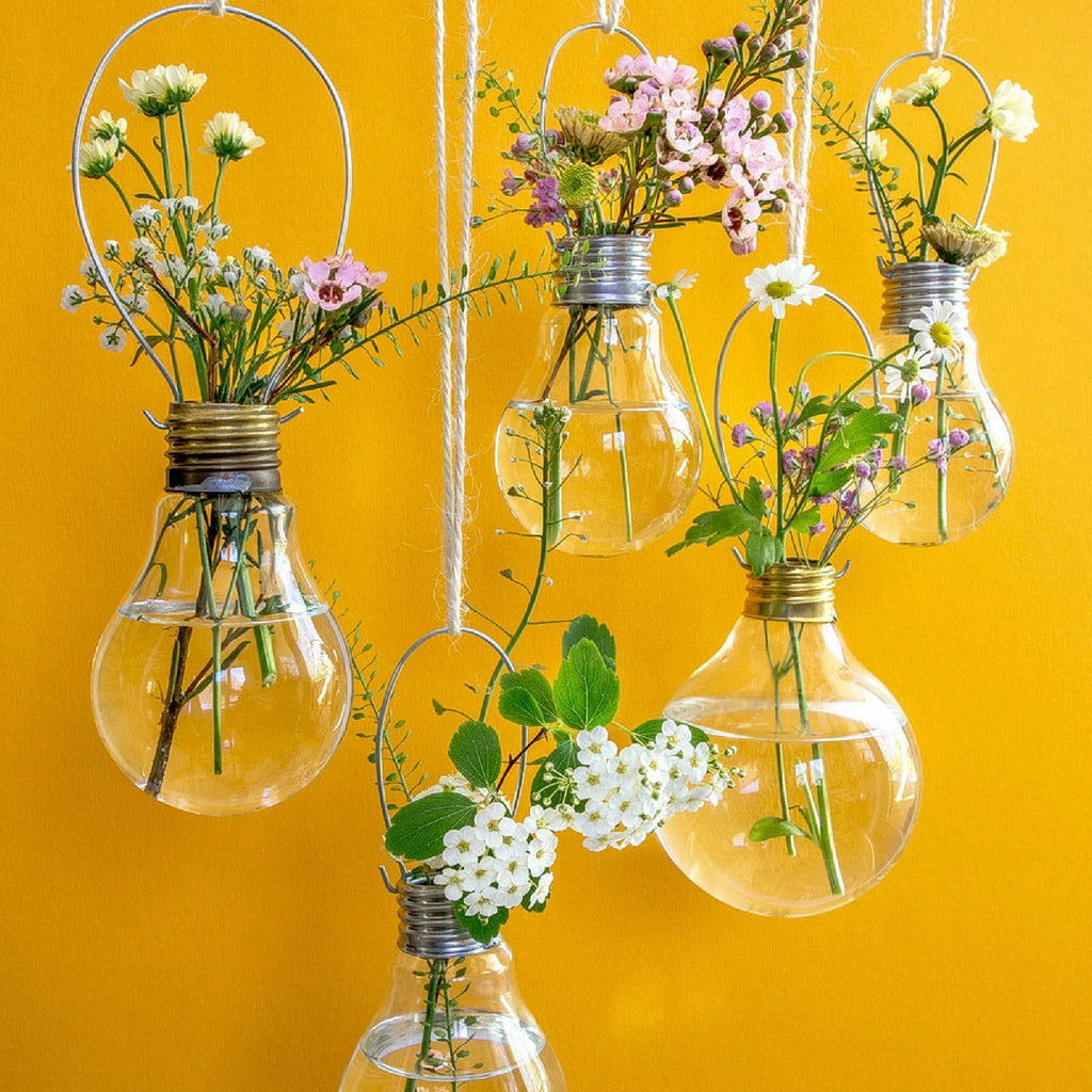 RO DIY // Make your own hanging lightbulb planters!