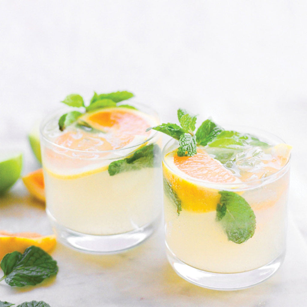 CHEERS // A grapefruit and mint mojito!