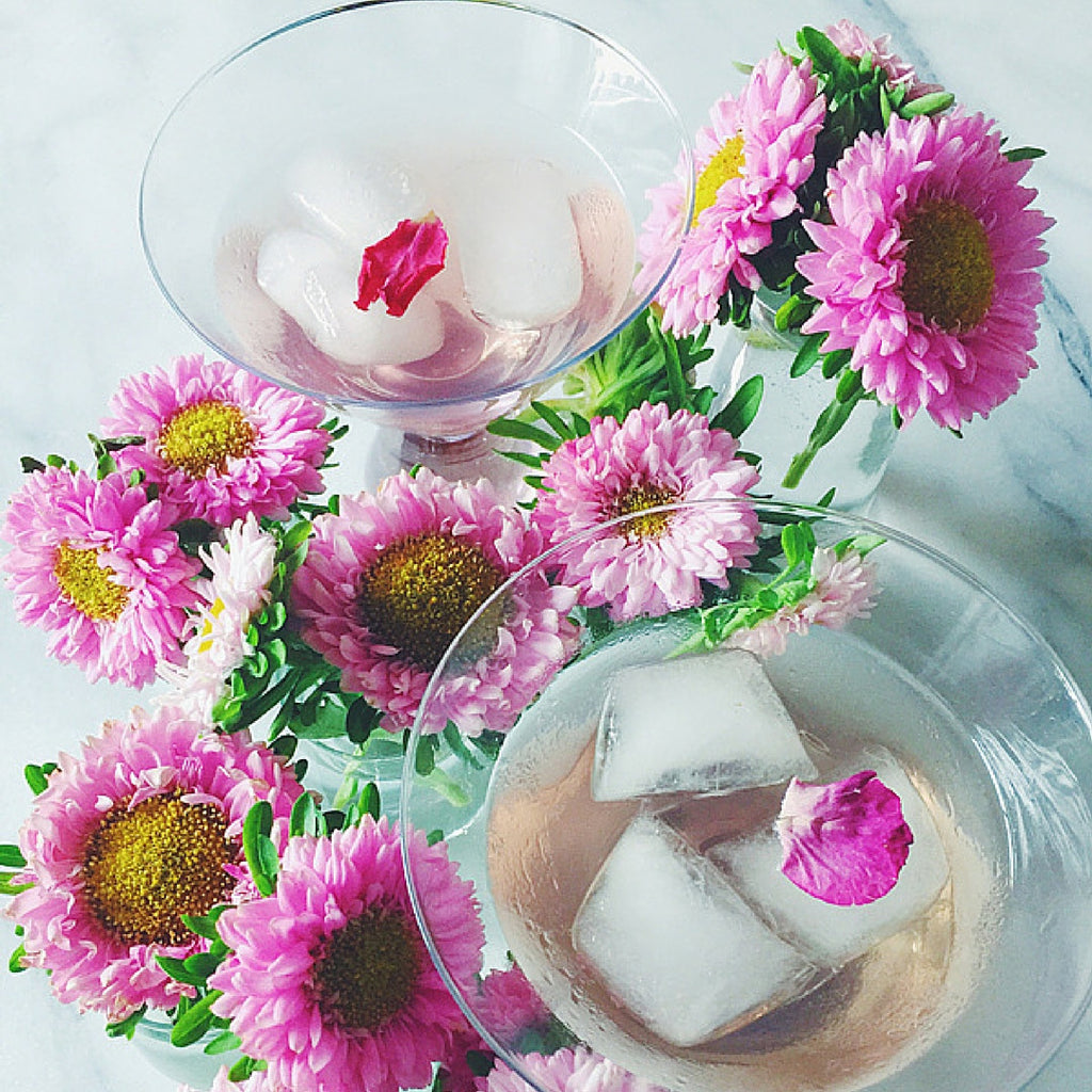 CHEERS // An easy cocktail that's prettier than a petal!