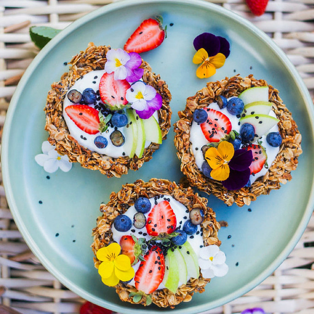 RO EATS // Granola Breakfast Tarts - healthy brekkie that you'll want to eat!