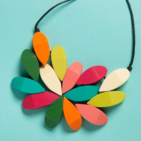 1200x1200-ROS1704NK-MULTI-Hibiscus-Necklace-Closeup.jpg