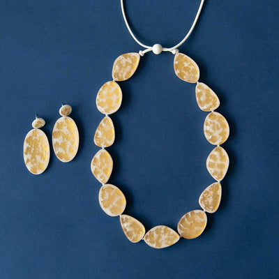 RO2002NK-RO2002ER-GOLD-FOIL-OFFWHITE-LONG-NECKLACE-DISC-DROPS.jpg