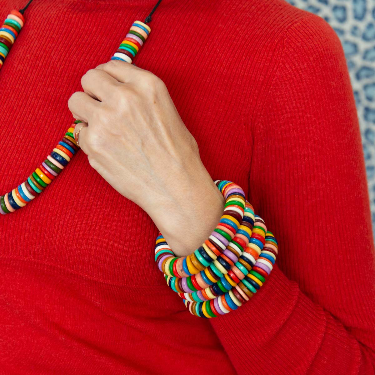 RO2007BG-MULTI-ELIZABETH-MASAI-BANGLE-UP-CLOSE.jpg