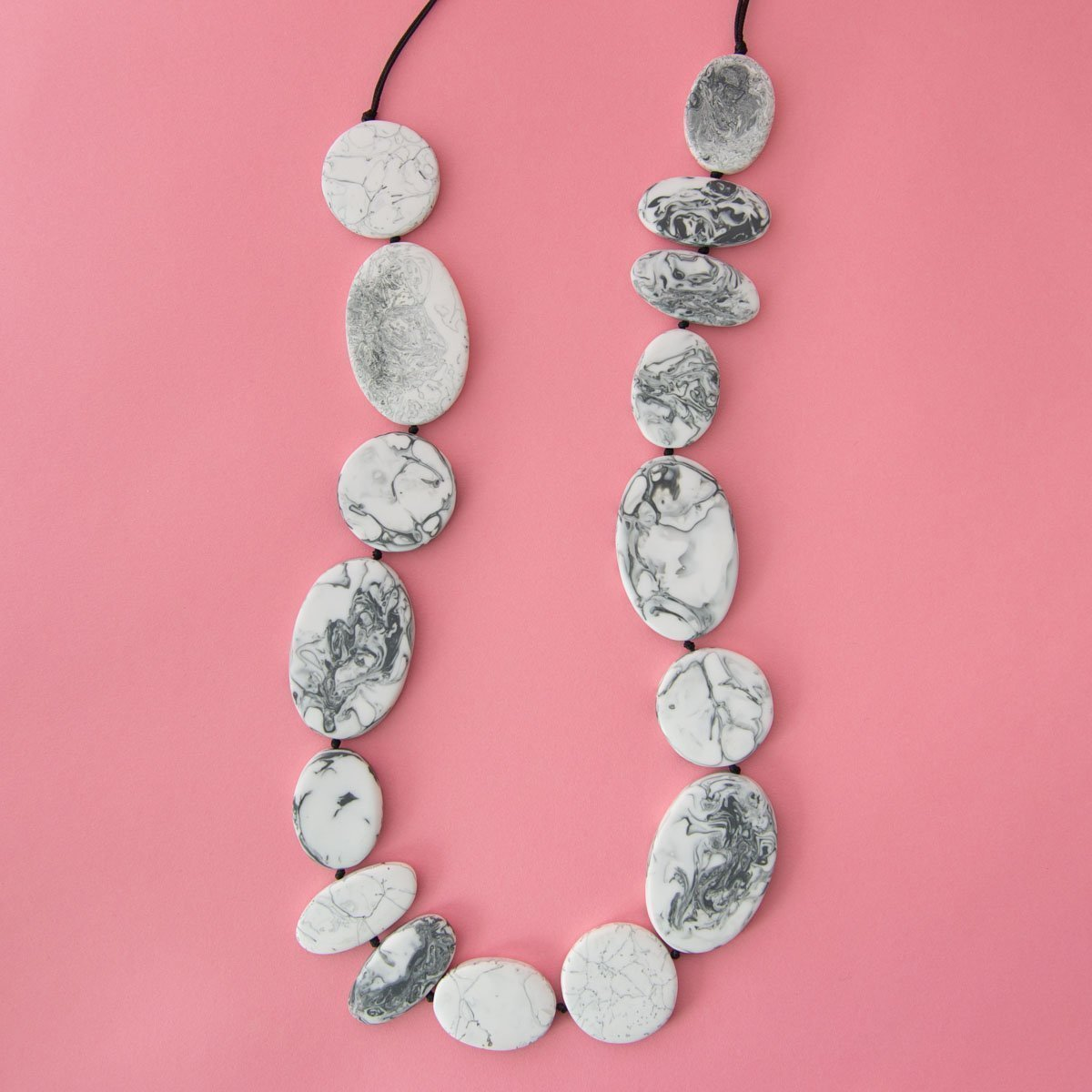 RO2010NK-GREY-MARBLE-ON-PINK-2.jpg