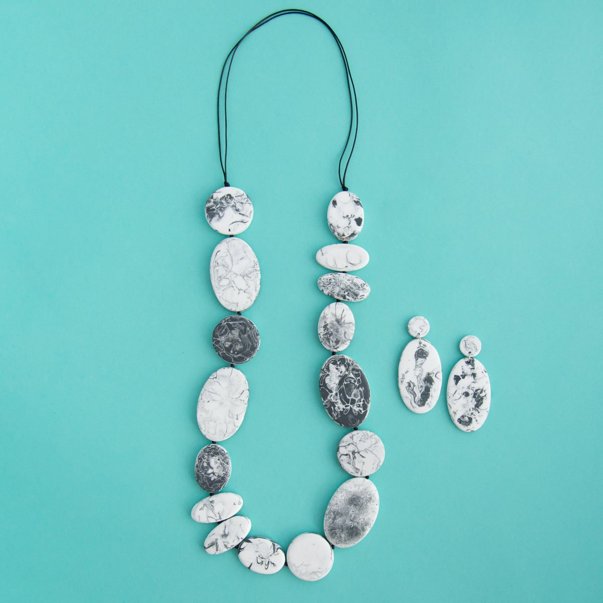 RO2011NK-RO2012ER-GREY-MARBLE-LONG-NECKLACE-DROPS.jpg