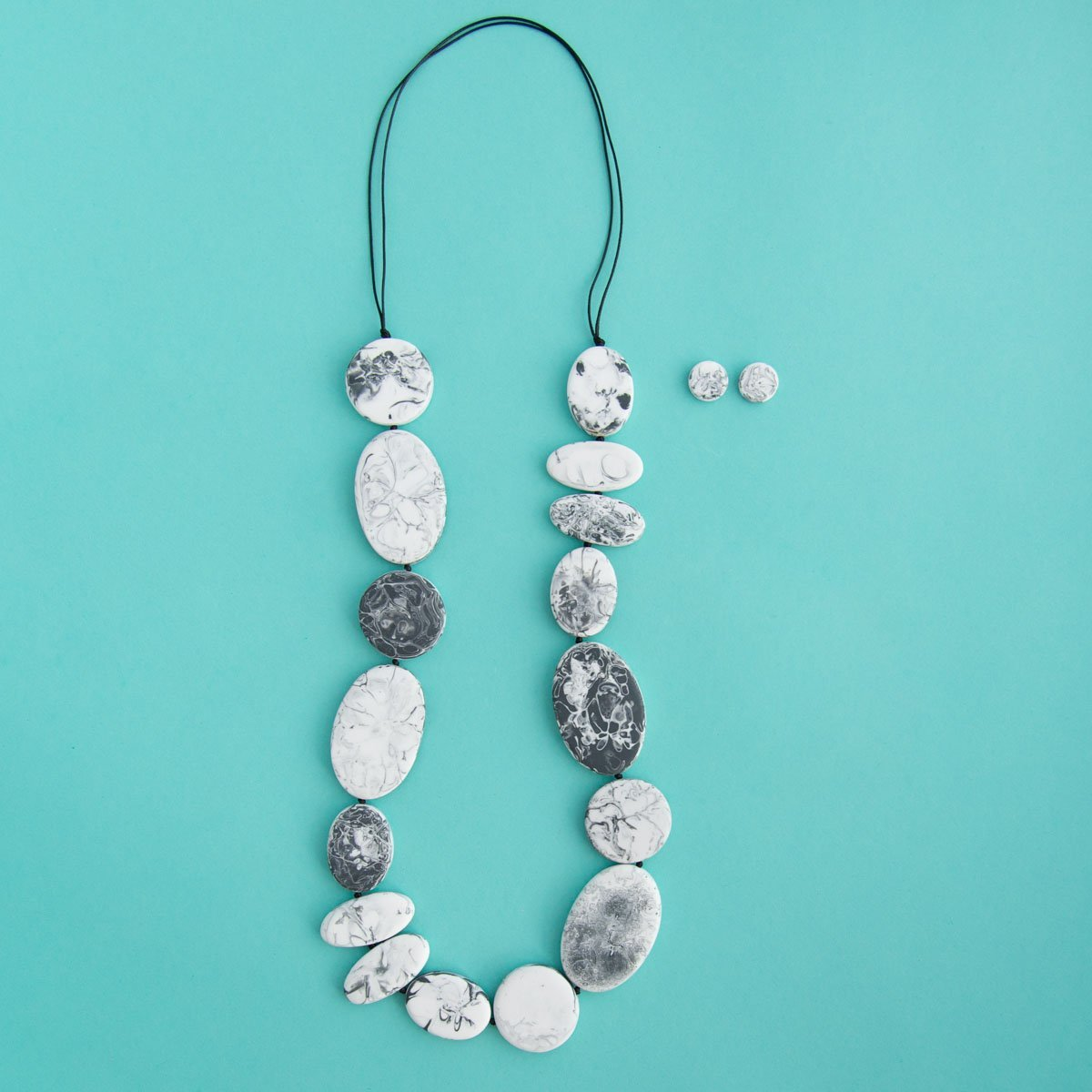 RO2011NK-RO2013ER-GREY-MARBLE-LONG-NECKLACE-STUDS.jpg