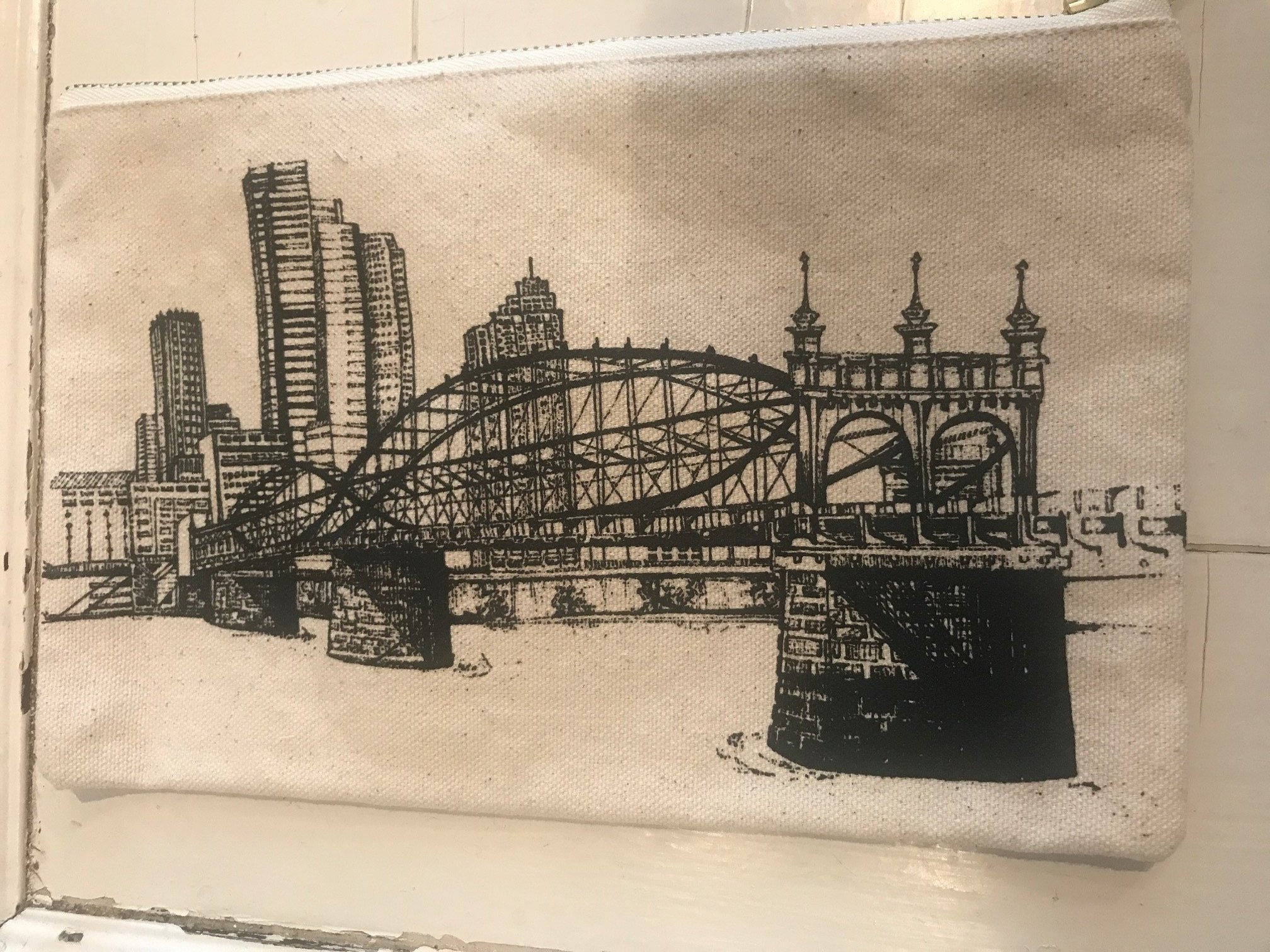 Pittsburgh Skyline Smithfield Bridge Pouch