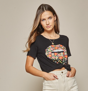 Elata Kiss Graphic Top
