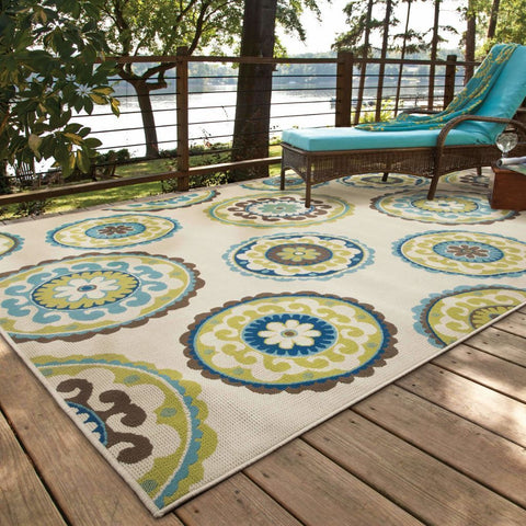 Oriental Weavers Caspian Ivory Green Medallion  Outdoor Rug