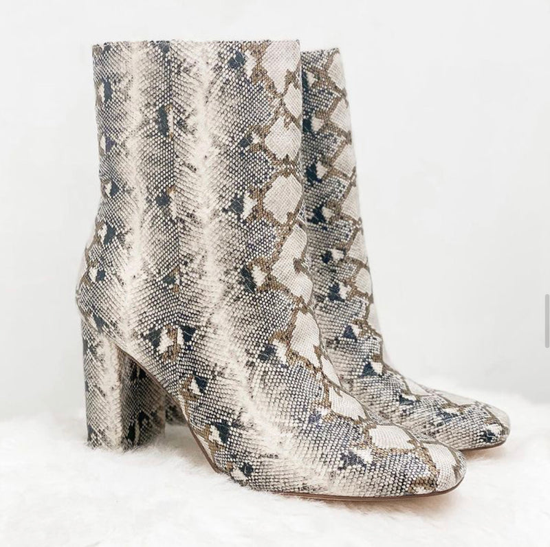 Neutral Mix Chinese Laundry Snake Boots