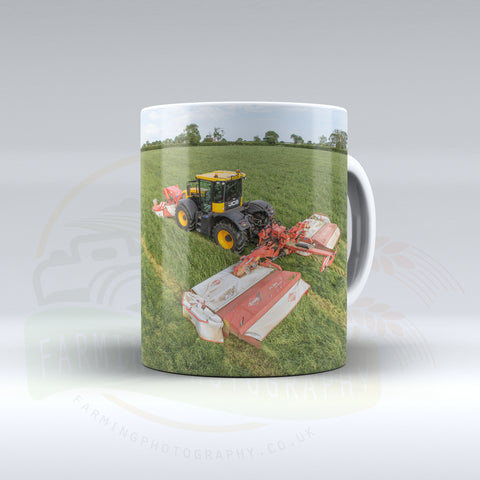 JCB Fastrac Mowing Ceramic mug.