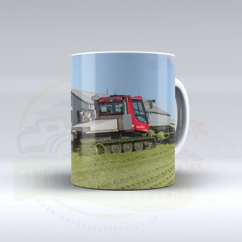 New Holland T9 and Piste Bully Ceramic mug.