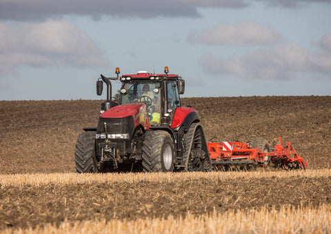 Case IH Magnum Rowtrac Cultivating Poster print