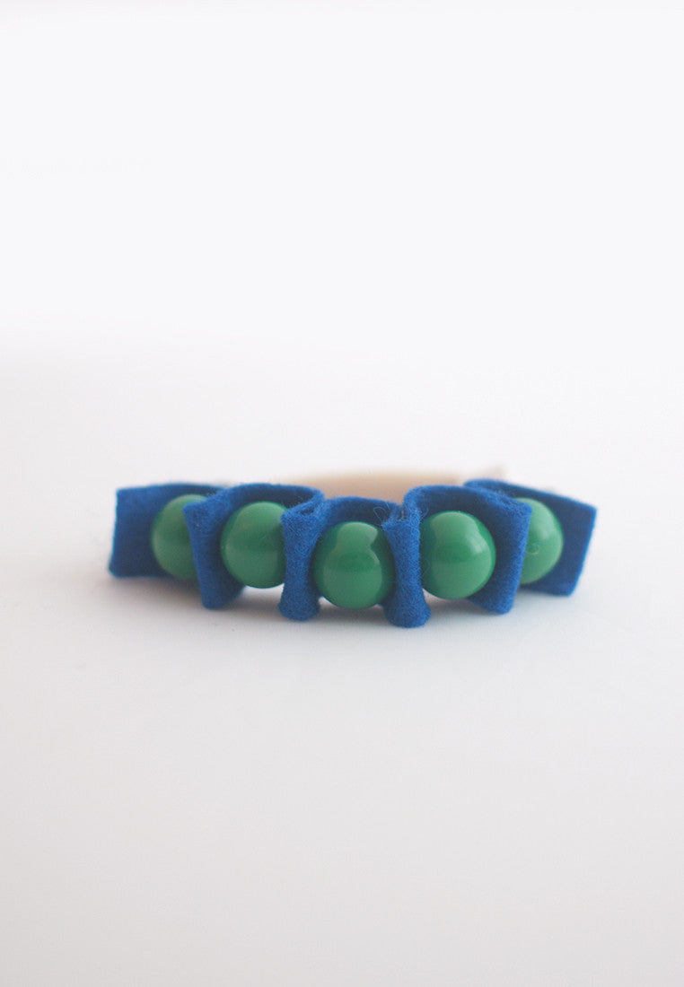 Stretchable Rubber Band Bracelet - sanwaitsai