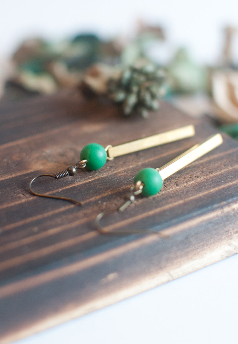 Brass Green Bead Earrings - sanwaitsai