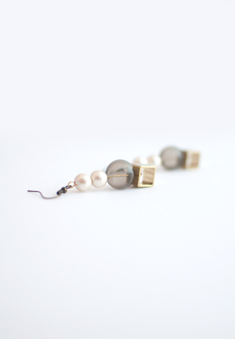 Glass Cotton Pearls Earrings - sanwaitsai