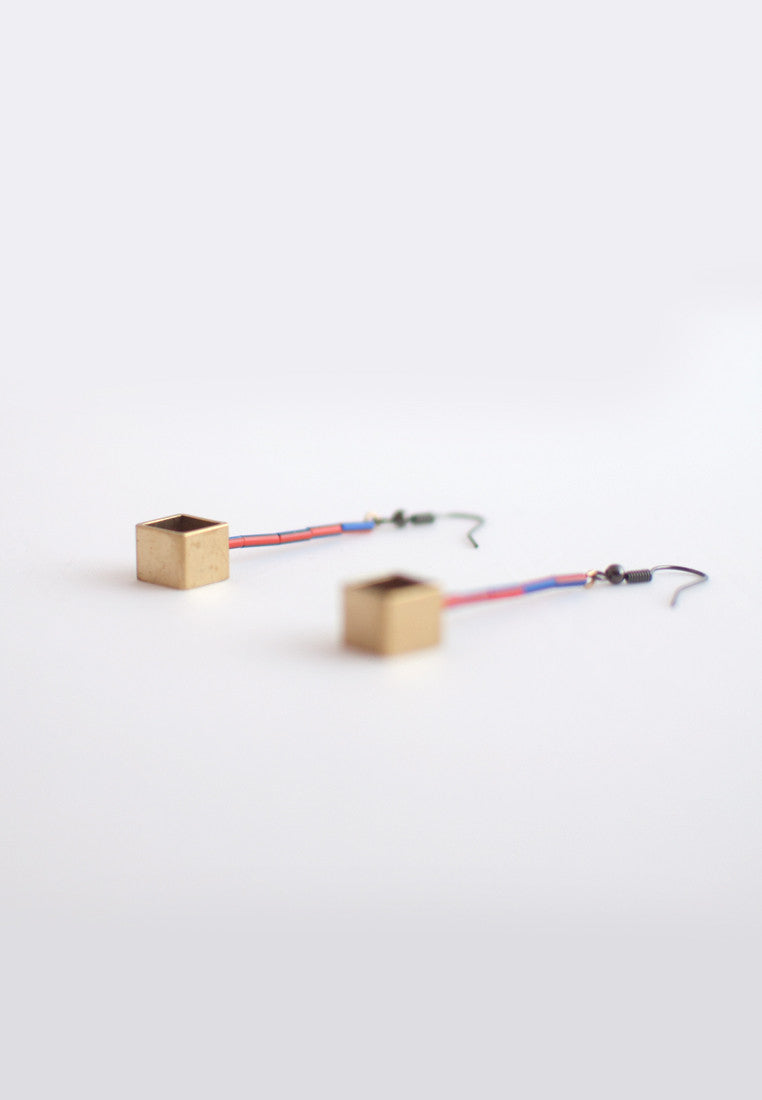 Resin Metal Earrings - sanwaitsai - 2