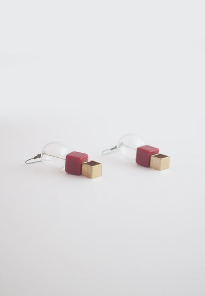Red Square Glass Earrings - sanwaitsai