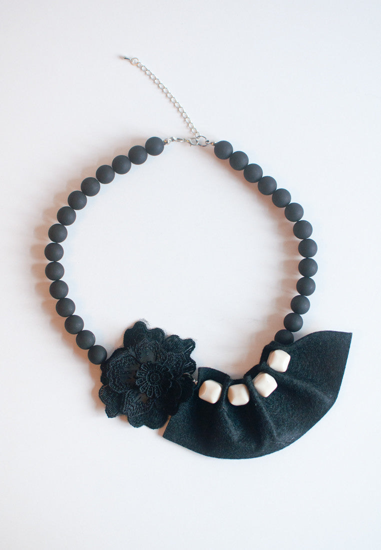 Black Lace Flower Necklace - sanwaitsai - 2