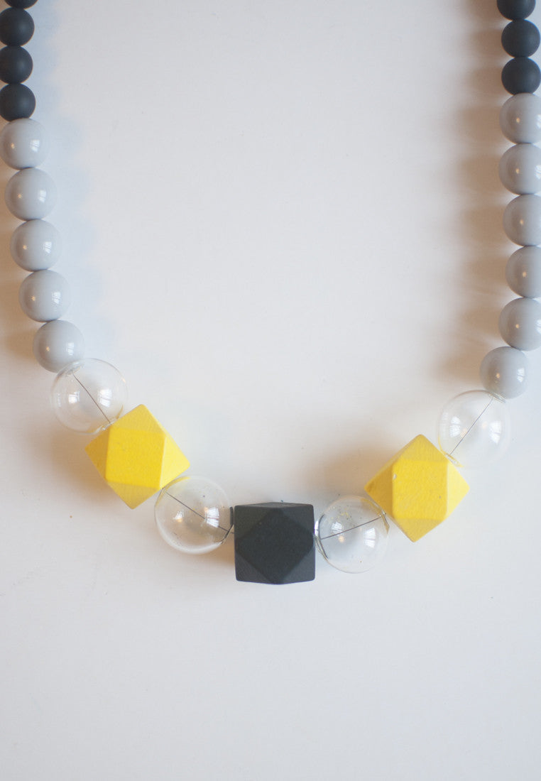 Black & Yellow Glass Necklace - sanwaitsai