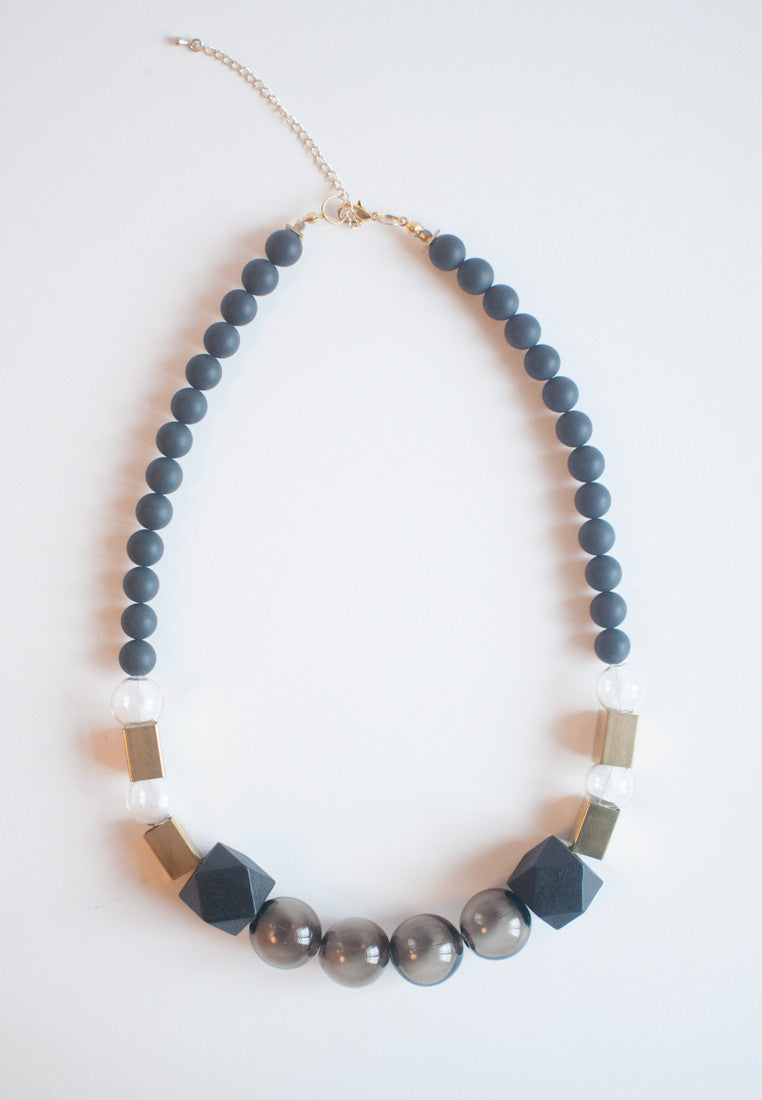 Black Glass Necklace - sanwaitsai