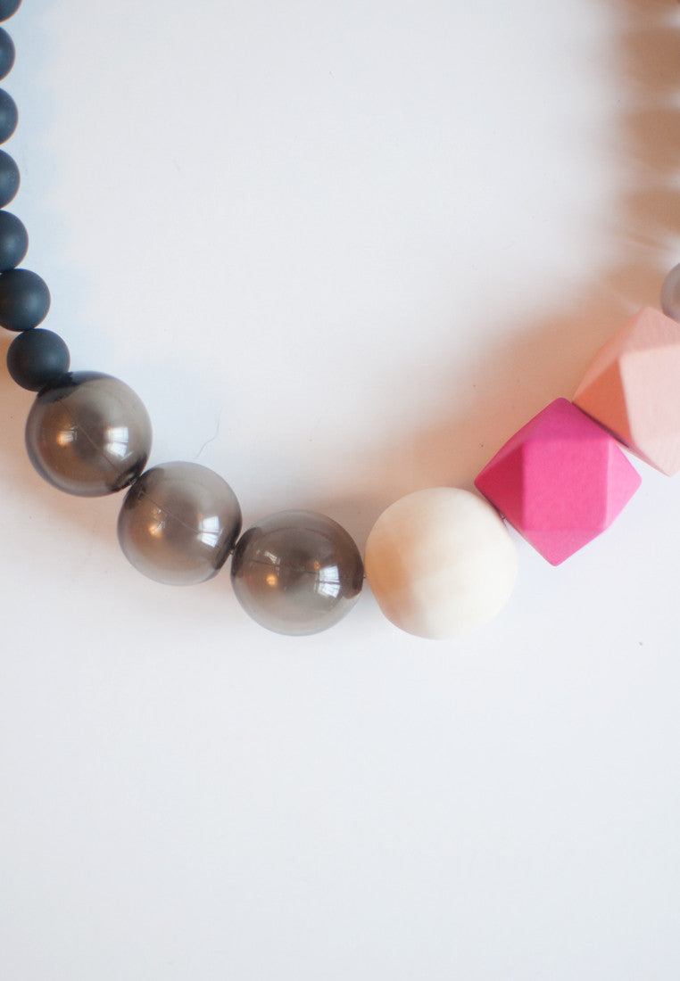 Pink Wood Necklace - sanwaitsai