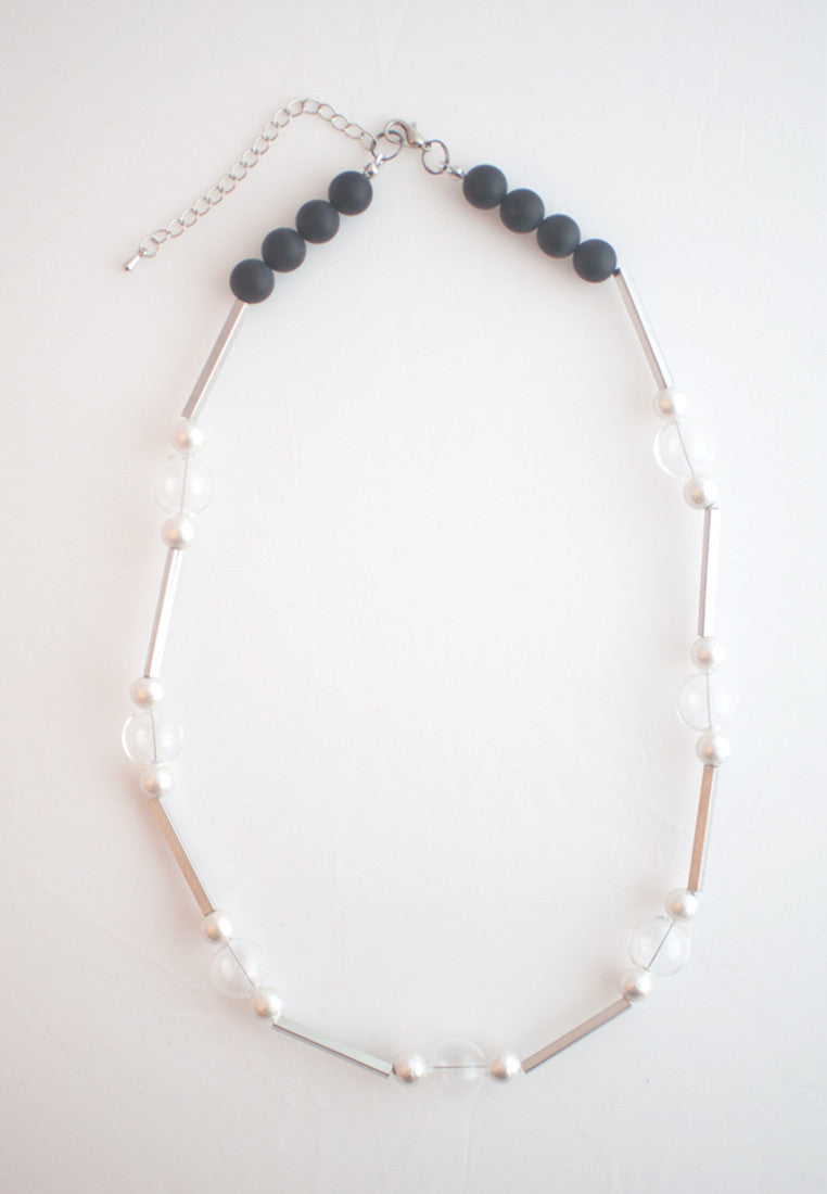 Cotton Pearls Glass Necklace - sanwaitsai